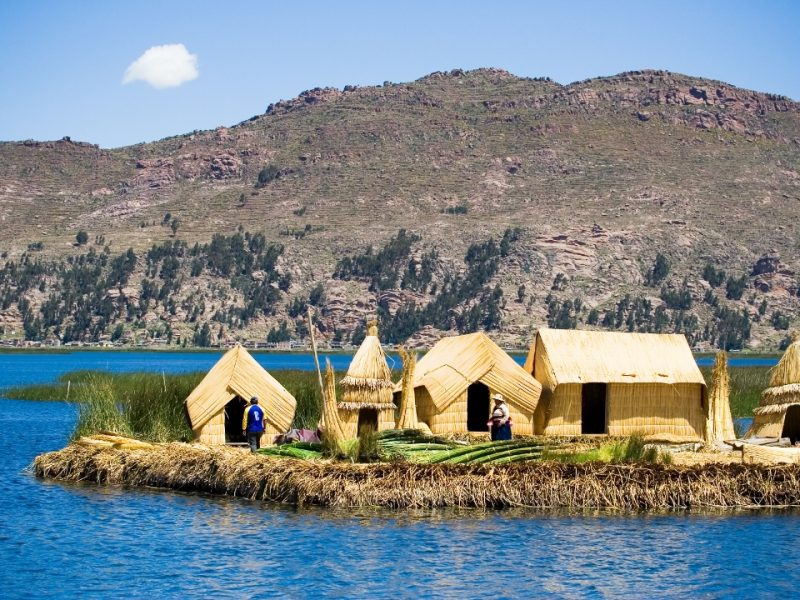 Lake Titicaca Reed house (1080x720)